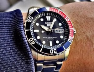Features of Seiko 5 SNZF15 Sea Urchin Watches